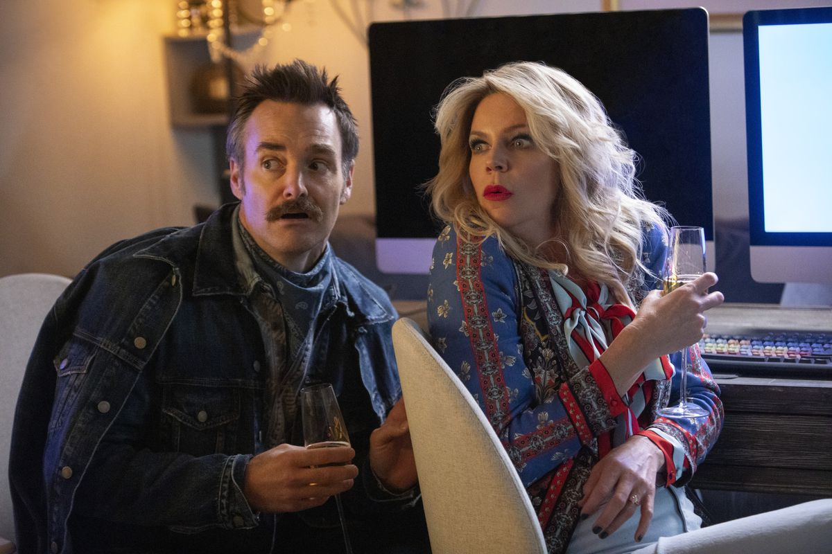 will forte and kaitlin olson dress in wacky americana costumes in quibi's flipped